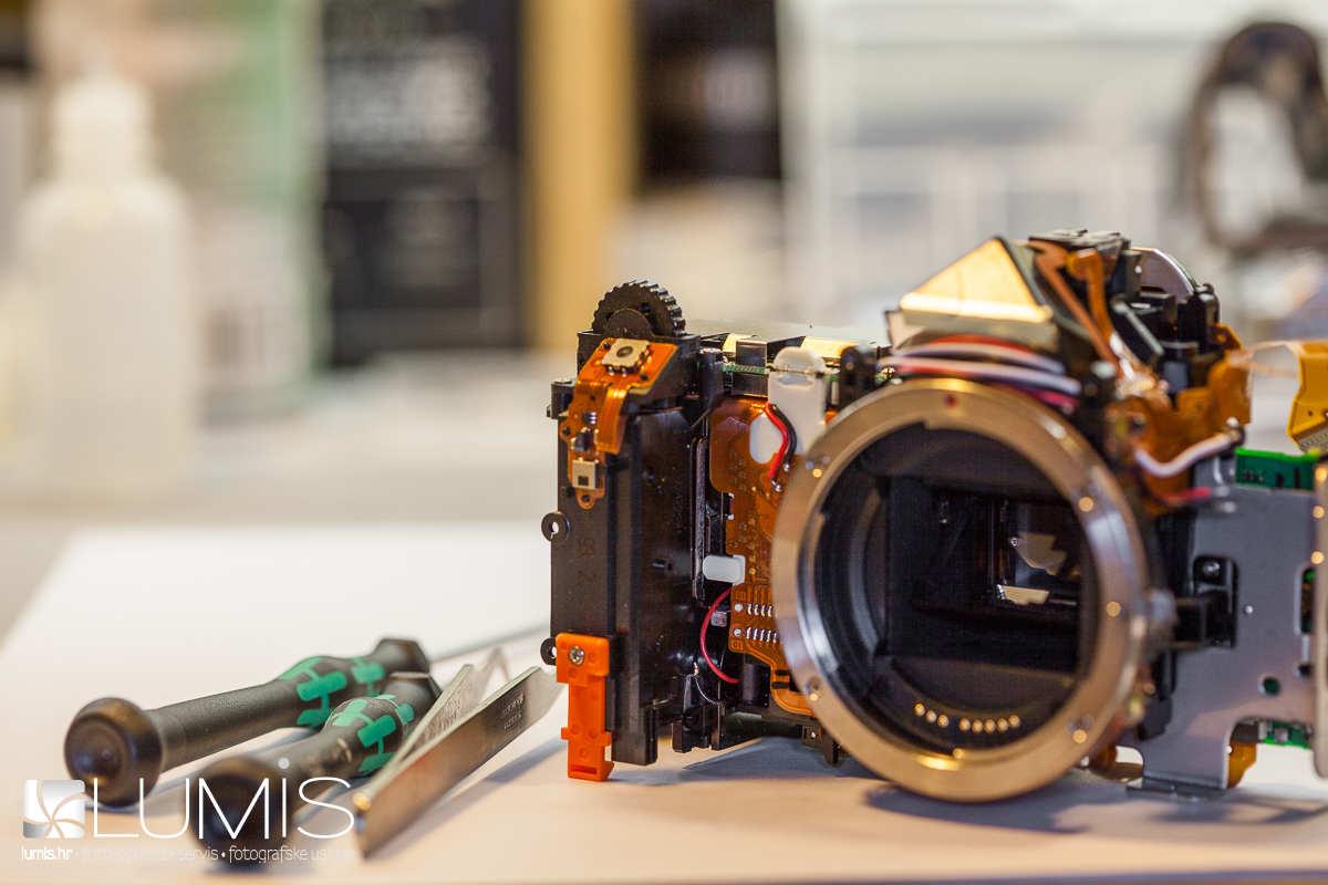Lumis servis digitalnih fotoaparata, objektiva i bljeskalica